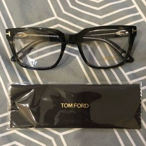 Brand NEW Tom Ford 5304 Eyeglasses